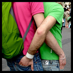 X (BlueDeepBlue) Tags: pink rome roma verde green love boys catchycolors couple rosa x romance explore jeans amour tshirts amore liebe tenderness coppia kjrlighet    mio  ammore lska krlek fidanzati colourlicious gaypride2008  liefhebben rakastaa a