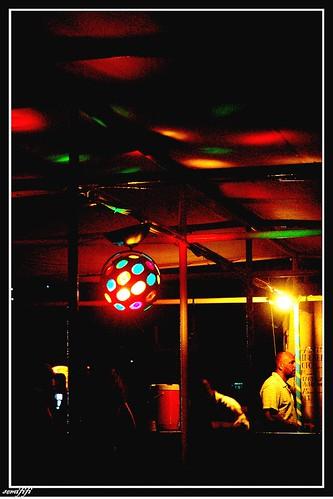 俗艷的霓虹燈