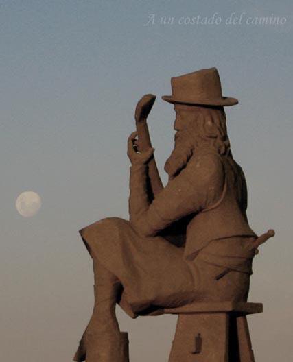 Cantandole a la luna