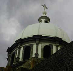 Cpula (copito_m) Tags: mxico churches iglesia places puebla lapaz goldenglobe beautysecret abigfave aplusphoto flickrpuebla flickrestrellas verslecieltowardsthesky llovemypics