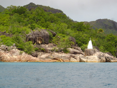 Light beacon near La Reserve on Praslin