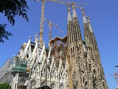 "Sagrada Familia ""old & new"" (Barcelona 2008) (paularps) Tags: barcelona travel holiday lumix vakantie spain flickr culture panasonic leisure 2008 reizen flickrcom destinations vakantiefotos adventuretravel arps paularps"