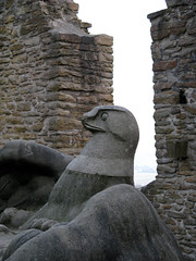 The broken eagle (dididumm) Tags: brick broken germany eagle adler beak nrw warmemorial dortmund schnabel hohensyburg kriegerdenkmal friedrichbagdons