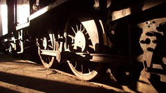 La vida es bella (Carolina  ~) Tags: chile station museum train tren trenes shadows trains locomotive museo 2008 sombras locomotives locomotora temuco araucana a3b museoferroviariopabloneruda