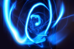Electric Blue (Audiotribe) Tags: longexposure blue light abstract color colour art colors electric digital canon denmark eos lampe licht exposure glow colours snake lumire alien traces trails experiment led trail flare frisbee trippy 1785mm lys danmark eyecandy bluelight kugel bikelight cahaya svjetlo bluelights ligero ljus 8250 flashflight eg ledlight  slange 400d eos400d electricoctopus eos400 ledfrisbee lightupfrisbee  ledlicht exposureeffect novavitanewlife lightupflyingdisc  lysspor lightedfrisbee