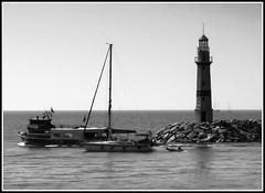 Lighthouse - Turgutreis (Fatih Gungor) Tags: lighthouse canon ship bodrum gemi turgutreis canonpowershota520 denizfeneri mula
