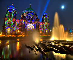 Berliner Dom - Berlin, Germany, revisited at Festival of Lights (Xindaan) Tags: city longexposure light moon building berlin church fountain architecture night buildings germany geotagged deutschland mond licht nikon ray cathedral nacht dom springbrunnen brunnen kirche tokina festivaloflight stadt dome architektur 2008 mitte festivaloflights gebude hdr 116 manfrotto nachtaufnahme berlinerdom rayoflight lustgarten d300 berlinmitte nightimage photomatix 1116 berlincathedral 5photosaday lichtstrahl 7xp top20berlin golddragon mywinners abigfave 055mf4 imageplus anawesomeshot visiongroup infinestyle amazingamateur theunforgettablepictures 1116mm platinumheartaward goldstaraward tokina1116mmf28 damniwishidtakenthat 5halloffame 1116mmf28 466mg 281116