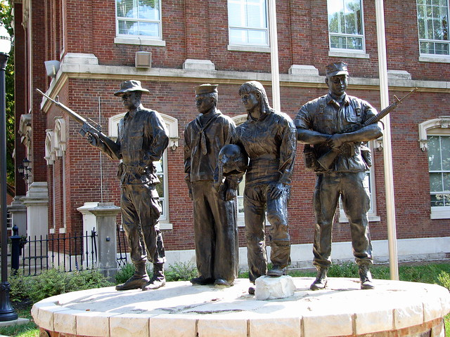 Warren Co. Armed Forces Statue