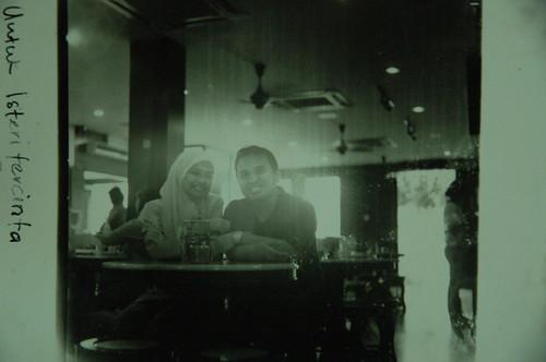 my wife and Orked on the ferry nak pi Tanjung. Ambik pakai camera Hasselblad Medium Format dengan filem Ilford 120 ASA 400