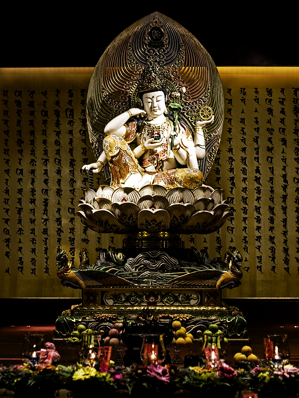 Buddha Tooth Relic Temple in Singapore 3074716424_7f09d35032_o