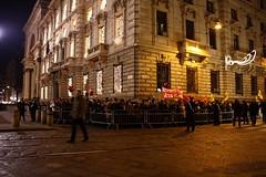 piazza alla scala milano (lupamajor) Tags: italy milan italia milano scala proteste doncarlos lascala 70200f4l canon450d eventidafotografare antonellacappo protestascala