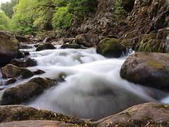 wales snowdonia cascada (Jorgitoito) Tags: wales olympus snowdonia seda cascada e520
