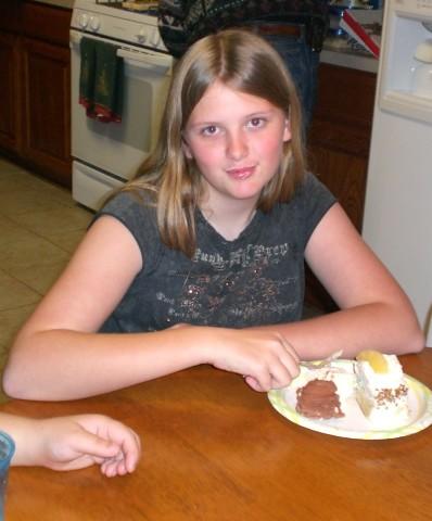 rayn eats cake