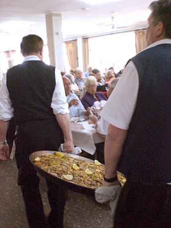 huge-paella