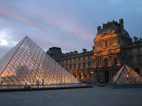 080528. louvre at night.