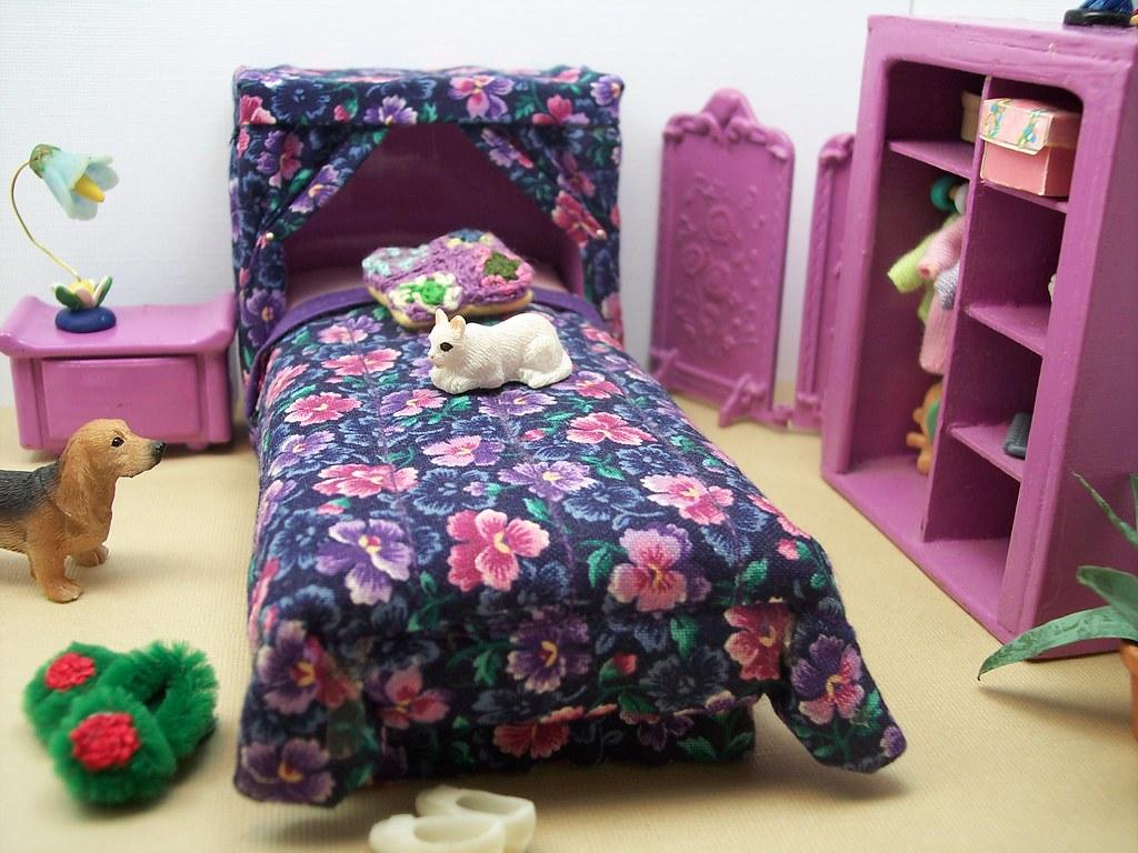 FLUFFY BEDROOM SLIPPERS. FLUFFY BEDROOM