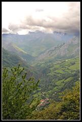 valle del huerna (R.Duran) Tags: espaa spain nikon espanha europa europe valle asturias valley espagne huerna d300 asturies tamron1750mmf28