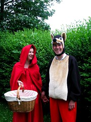 le chaperon rouge et le loup (ouhdeyeah) Tags: rouge loup chaperon