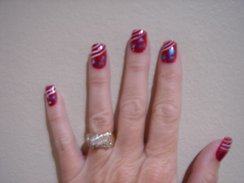 Nail art and nail polish for 4th July Celebration