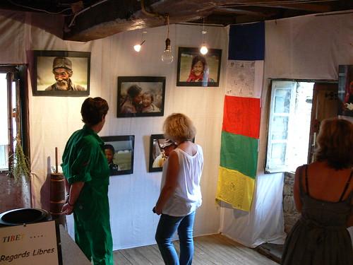 Hélène expose et témoigne pour le Tibet