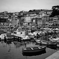 1245 (sul gm) Tags: bw espaa boats puerto botes spain pueblo asturias bn villa barcas luarca valds asturies saulgm ltytr2 ltytr1 explore304