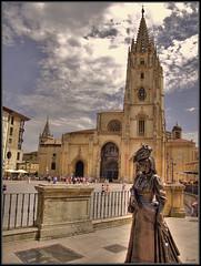 grande latín pecho enorme en Oviedo