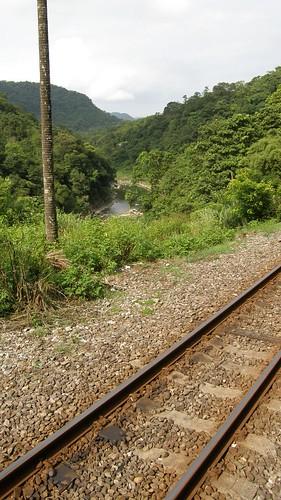 87.鐵軌與河谷