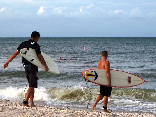 bonita beach surfers