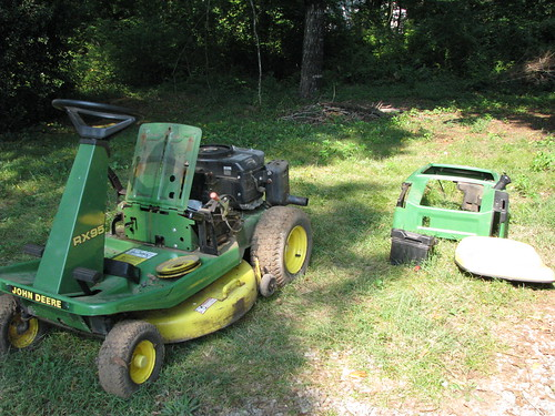 John Deere RX95 in pieces
