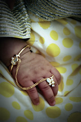 t r a d i t i o n a l (Weda3eah*) Tags: girl by gold little traditional accessories qatar jalabeyah weda3eah