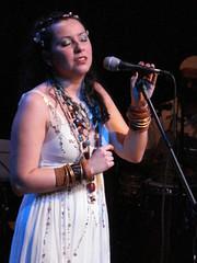 Clara Evidncia   Mayt Corra canta Clara Nunes (:: lata d'gua ::) Tags: show curitiba cenrio claranunes figurinos teatropaiol maytcorra oscaprichosdemaria