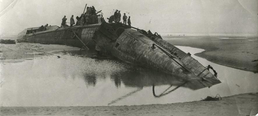 First World War (Great War). Maritime war, 1917. A German submarine, captured by the French, stranded in the Strait of Calais (Pas de Calais)