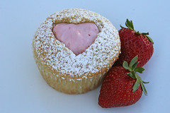 Vanilla Cupcakes with Strawberry filling (Glorious Treats) Tags: cupcakes strawberry