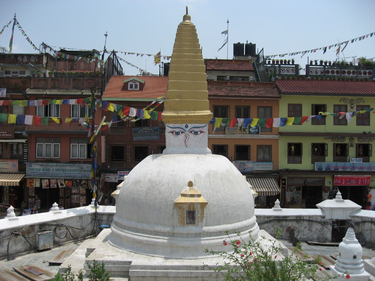 Minor stupa along the perimeter