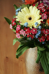 06/04/08 (last_shit) Tags: flowers desk gerbera vase