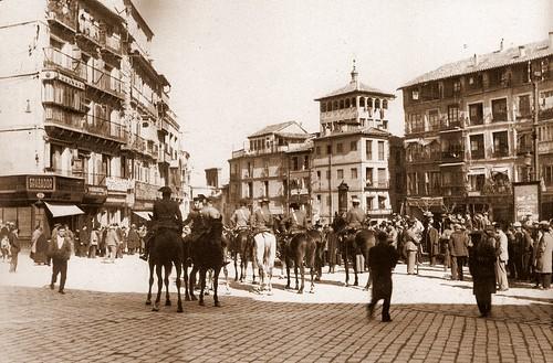 Foto Rodriguez. Policía controlando revueltas por el pan en enero de 1932