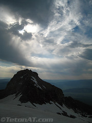 Cool lighting over peak 10696