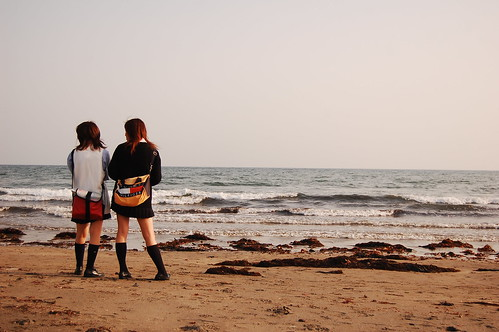 Schoolgirls at Kamakura beach