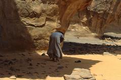Preghiera (alfjodor) Tags: sahara algeria travels adventure viaggi reportage preghiera avventura djanet 3opelnelsahara saharacrossing jabbaren