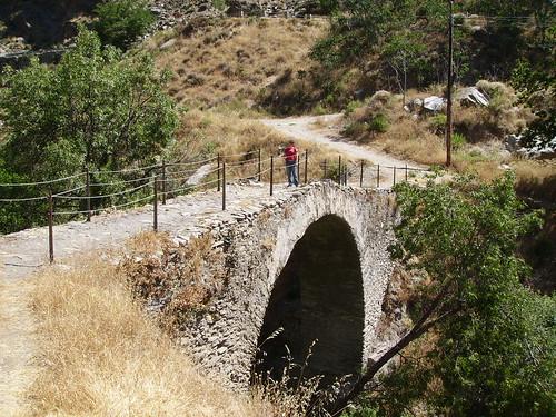 Puente romano en Mecina Bombaron