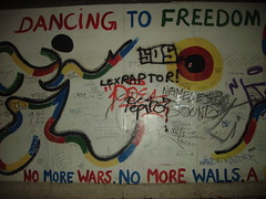 No more wars (ipodvp) Tags: germany circle pie libertad freedom war colours dancing guerra colores alemania mundial pintura circulo segunda belin bailar iiguerramundial