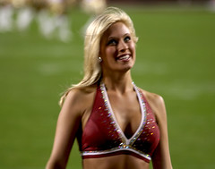 WASHINGTON REDSKINS CHEERLEADERS (nflravens) Tags: sports washington football cheerleaders nfl hunter redskins nflfootball washingtonredskins prosports redskinettes profootball washingtonredskinscheerleaders washingtoncheerleaders redskinscheerleaders nflravens shoreshotphotography