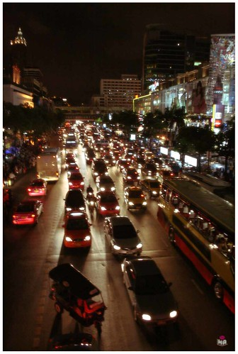 traffic in bangkok nite