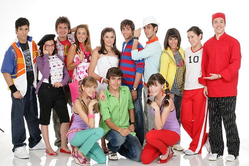 high_school_musical_mexico_2020-833x554