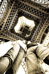 (Daniel Wille - Photographie) Tags: paris france tower 20d strange canon point eos frankreich view eiffel canoneos20d eifelturm danielwille