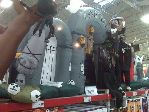 Sams Halloween displays
