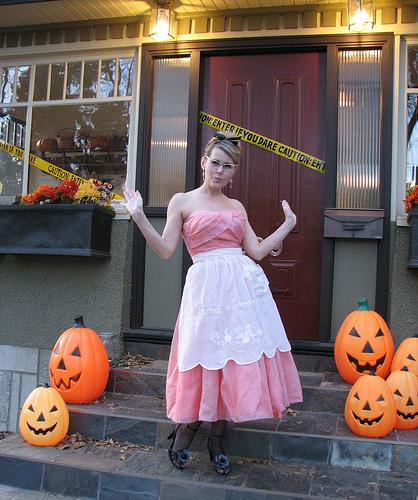 halloween housewife costume