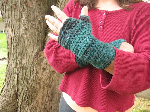 Teal Twist Mitts