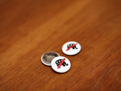 Campaign Buttons (Dom Dada) Tags: slash elephant emblem logo 50mm prime politik pin unitedstates graphic bokeh politics mascot button change republican anti campaign obama pictogram gop nov4 slashed campaigning canonef50mmf14usm piktogramm november4 antirepublican antigop 4935 republicanlogo gopelephant mcpain november42008