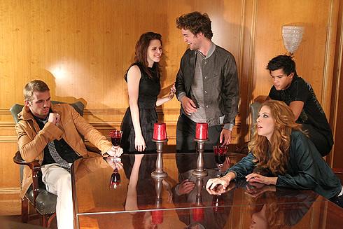 Robert Pattinson And Kristen Stewart Photo Shoot. Twilight Empire Photoshoot